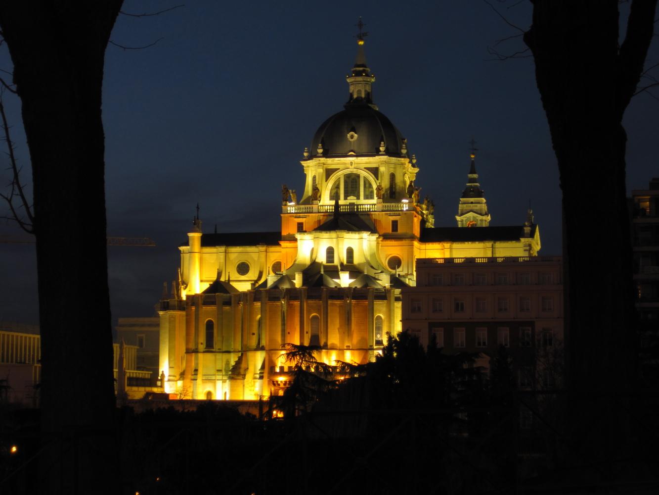catedralalmudena2.jpg