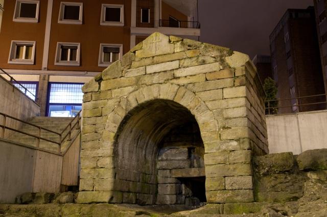 Fuente de Foncalada, obra civil prerrománica en Oviedo, España
