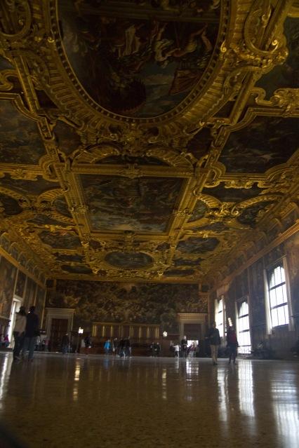 La Cámara del Gran Consejo del Palacio Ducal de Venecia, Italia